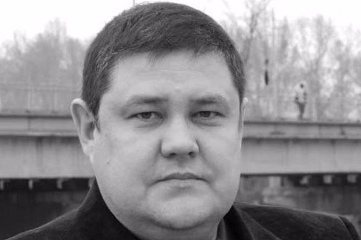 """Dmitry Popkov, editor-in-chief for local newspaper Ton-M, was found dead in a traditional Russian bathhouse near his home. His body had been riddled with bullets. Mr. Popkov investigated police corruption in thecity ofMinusinsk, Russia, In the recent past, the local newspaper had been raided(in Russian) by the city's police forces. """"We write what other people stay silent about,"""" was the slogan of Ton-M. Russia is one of the most dangerous countries in the world for journalists. Since…"""