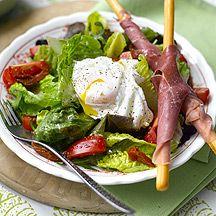 salade met Gepocheerd ei en parmaham (7) | 2-9-15 nectarine toegevoegd, olie vervangen door azijn. Prima lunch met soepje