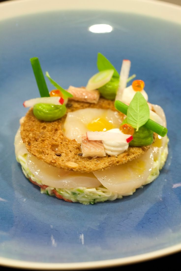 Sint-Jakobsnoot, koningskrab, mierikswortel, avocado