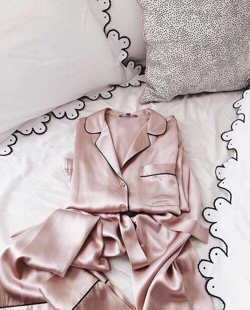// @hannahohx // silky pink pjs