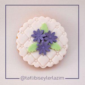 Ürünlerimizden Fotoğraflar   Tatlı Bi' Şeyler Lazım  #kurabiye #cookie #fondant #gumpaste #fondantflowers #cupcake #muffin