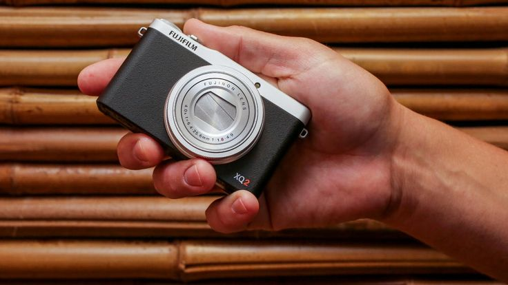 Looking for the best compact digital #cameras? .@CNET editors' review of the best compact digital cameras includes product photos and video and user reviews.