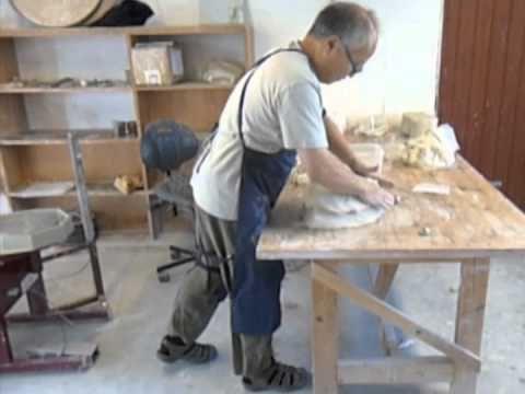 ▶ Takeshi wedging clay - YouTube