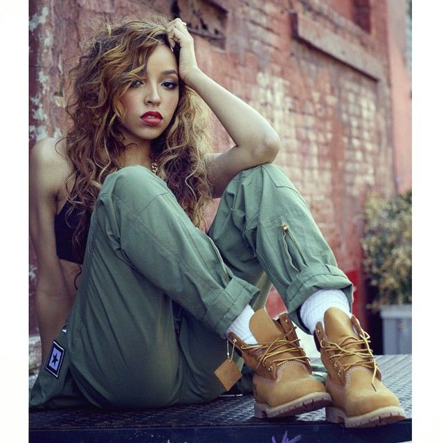 Tinashe Singer Celebrity Pretty Girl Swag Dope Streetwear Urban Fashion Style Trend Timberland Boots