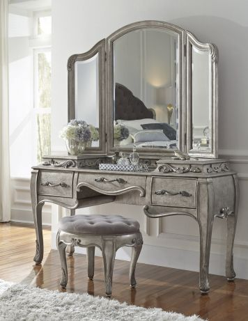 Rhianna Bedroom Vanity Set in Platinum | Pulaski | Home Gallery Stores