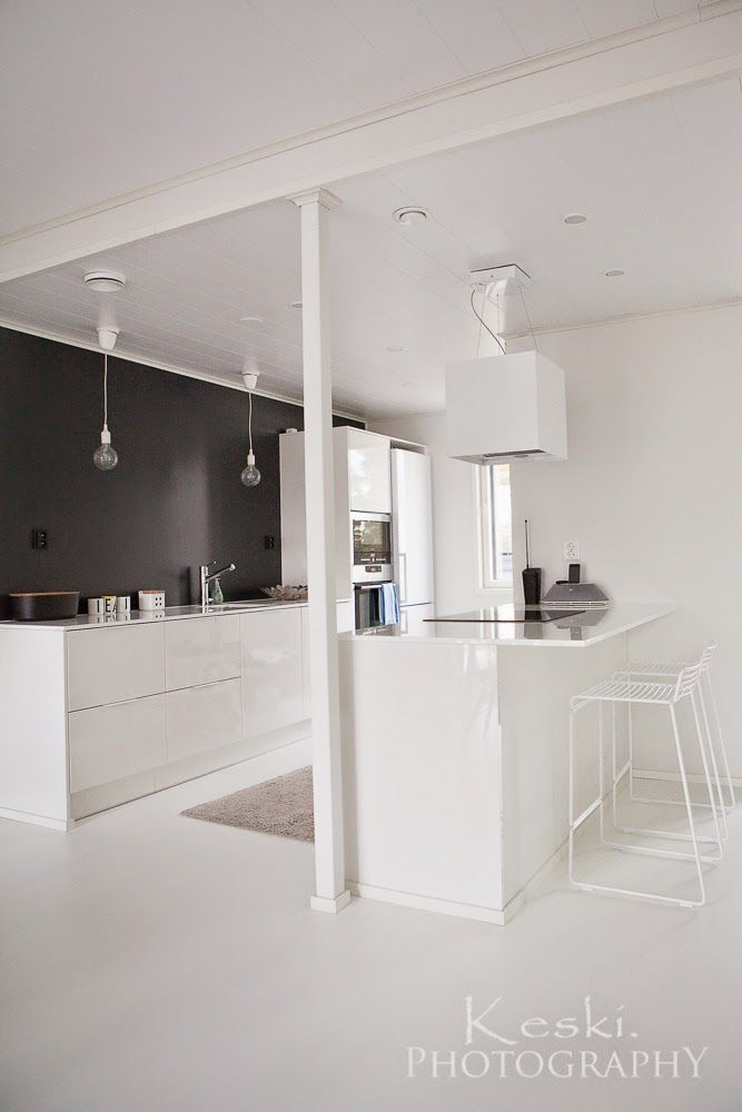 Mustavalkoinen Puustelli keittiö / kök / kitchen