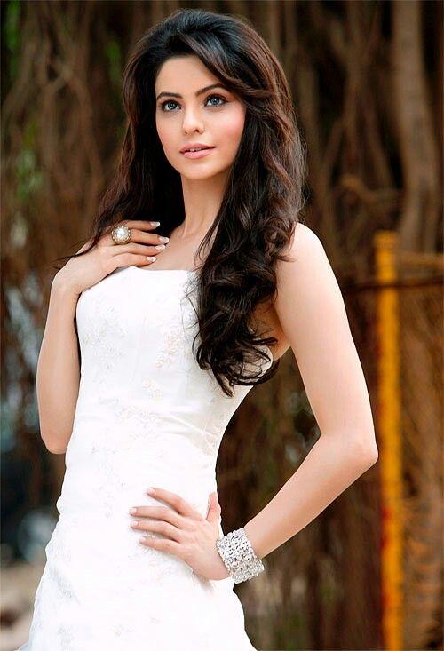 Aamna sharif.....how cute!!!