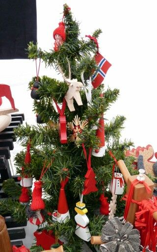 302 best 26. Scandinavian Christmas Tree images on Pinterest ...