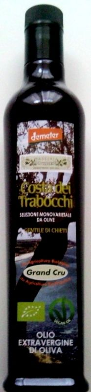 "This Extra Virgin Olive Oil is obtained exclusively from olives ""Gentile di Chieti"", Abruzzi native and typical variety: virgin excellent organoleptic, adherence to the territory and local cultivar. Unique product, traditional, capable of expressing a complex land as the Abruzzi."