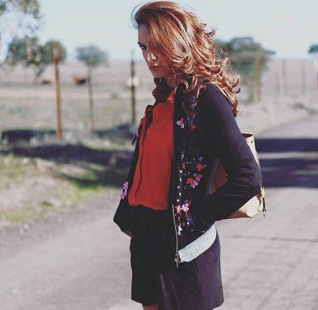 @trendymiriam Chaqueta Mamatayoe con estampado floral| Jacket with floral embroidery | Veste avec florales rebrodées| Giacca con ricami floreali