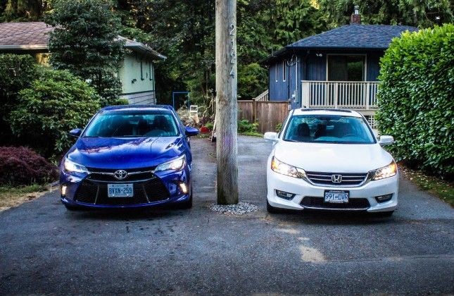 Comparison Test: 2015 Toyota Camry V6 vs 2015 Honda Accord V6 - Autos.ca