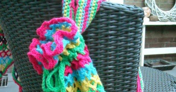 Zomer, leuke rugtas in vrolijke kleuren voor bijvoorbeeld handdoeken om mee te nemen naar het strand en voor vele andere doeleinden.    ...