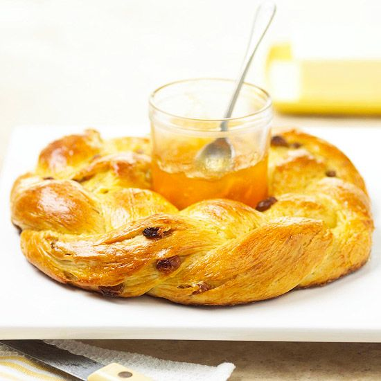 Orange-Raisin Brunch BreadBrunches Ideas, Breads Recipe, Orange Raisin Brunches, Orange Raisin Breads, Food, Lights Sweets, Rich Flavored, Bread Recipes, Brunches Breads