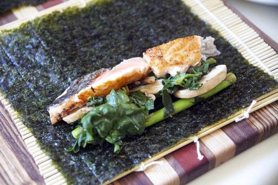 salmon and asparagus seaweed wraps