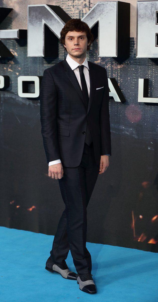 Pictures & Photos of Evan Peters - IMDb