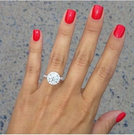 Find the perfect engagement ring for your future Mrs with Boulesse.com! boulesse.com/en