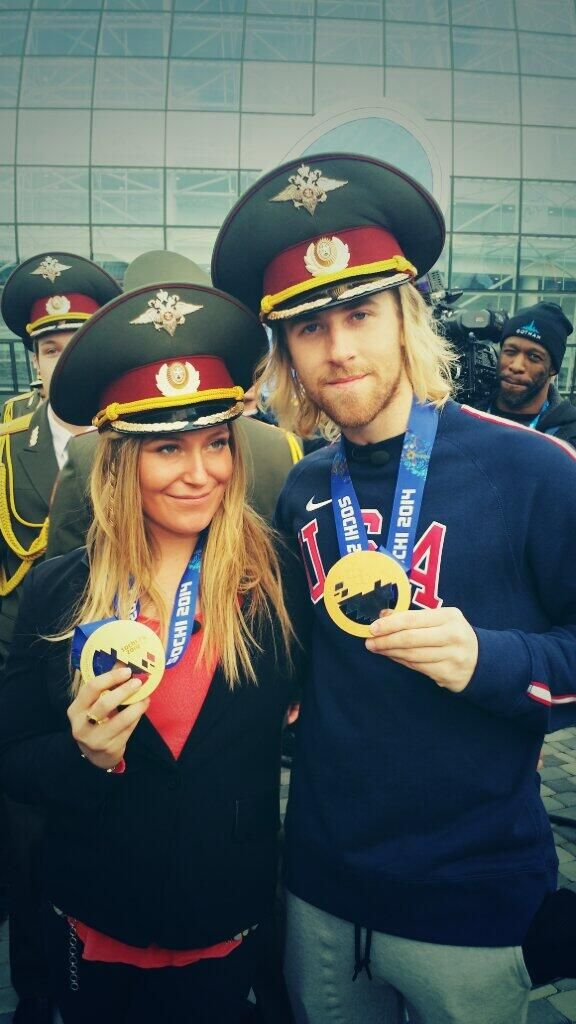 Jamie Anderson and Sage Kotsenburg with their gold medals #sochi2014 #olympics #winterolympics
