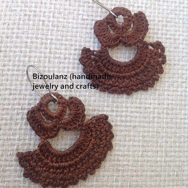 Crocheted earrings, the granny way!  #crochet #crocheted #earrings #handmade #handmadejewelry #handmadeearrings #bizoulanz #greekfashion #grannycrochet #brown #crochetjewelry #jewelry #χειροποίητο #κόσμημα #σκουλαρίκια #πλεχτά