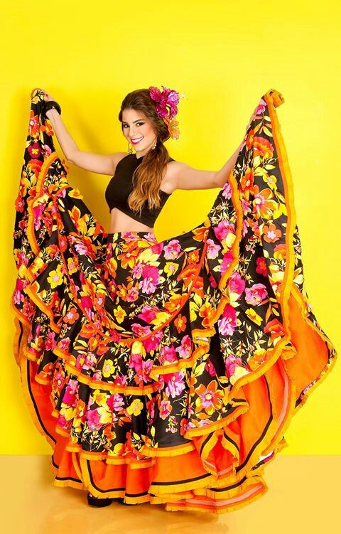 2015 | CARNAVAL DE BARRANQUILLA, COLOMBIA - Cristina Felfle Fernand Lorna Cristina Felfle Fernandez de Castro reina del Carnaval de Barranquilla 2015