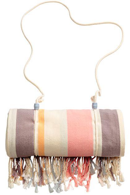 LE CATCH: beachy bonus - H&M beach towel
