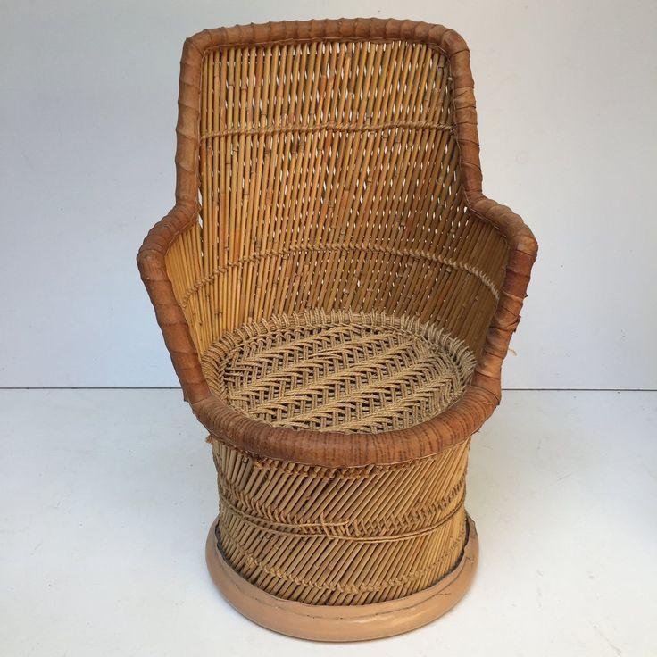 Vintage 1970s Kids Wicker Chair - Fauteuil Enfant Rotin Vintage - Free delivery- Livraison Gratuite