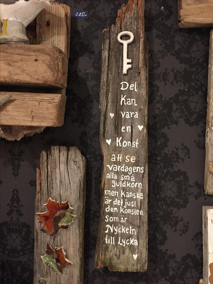 Drivved med budskap, och drivved med keramiklöv