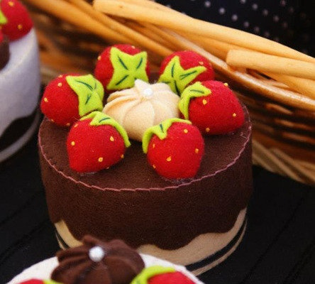Dolce Torta in pannolenci, by Strawberry Fields, 12,00 € su misshobby.com