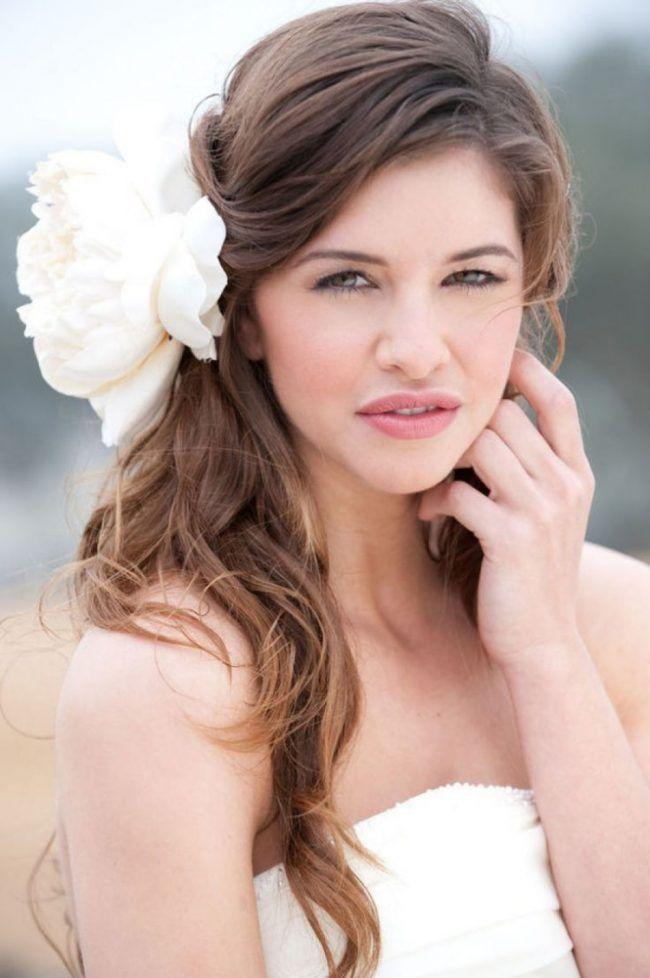 Brautfrisuren seitlich offen gesteckt  Die besten 25+ Hochzeitsfrisur offen mit schleier Ideen auf ...