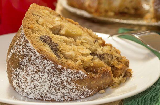 Ismét meggyőződhetsz arról, hogy az egyszerű sütik a legfinomabbak. Nem kell sok konyhai tapasztalat, hogy az almás kuglóf jól sikerüljön.