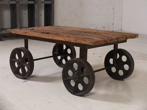 Table basse sur roue - Style dolly | coffee tables | City of Montréal | Kijiji Mobile