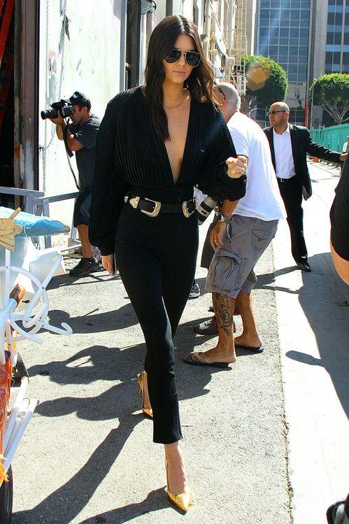 Kendall Jenner en top Esosa et ceinture Bri Bri B-Low à Los Angeles en juillet 2015