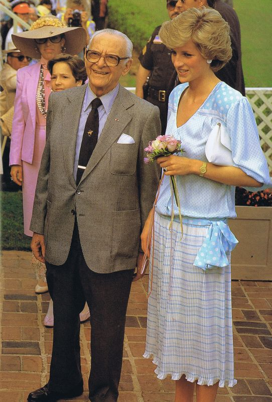 November 13, 1985:  Diana with Armand Hammer at the end of their visit to the USA, after Charles plays in a polo match in West Palm Beach, Florida.