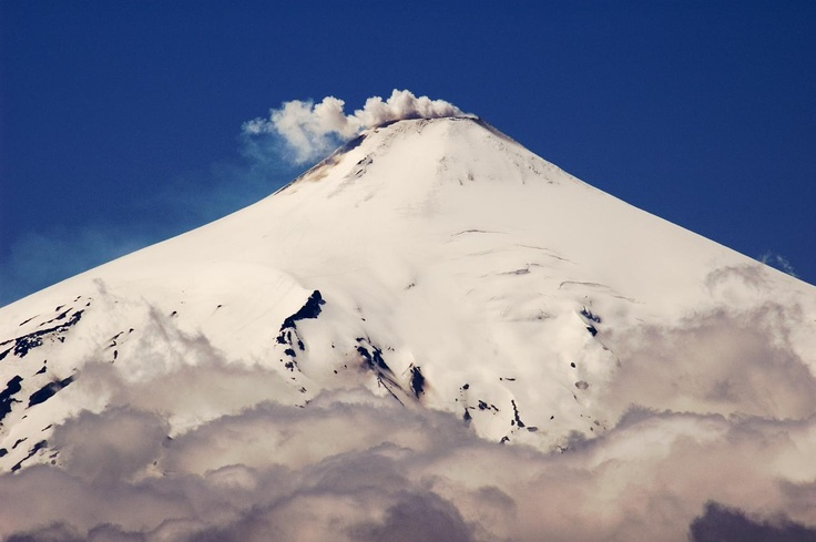 trekking Volcán Villarrica  Pucon: Travel to Pucon and Discover this Beautiful Chilean Town