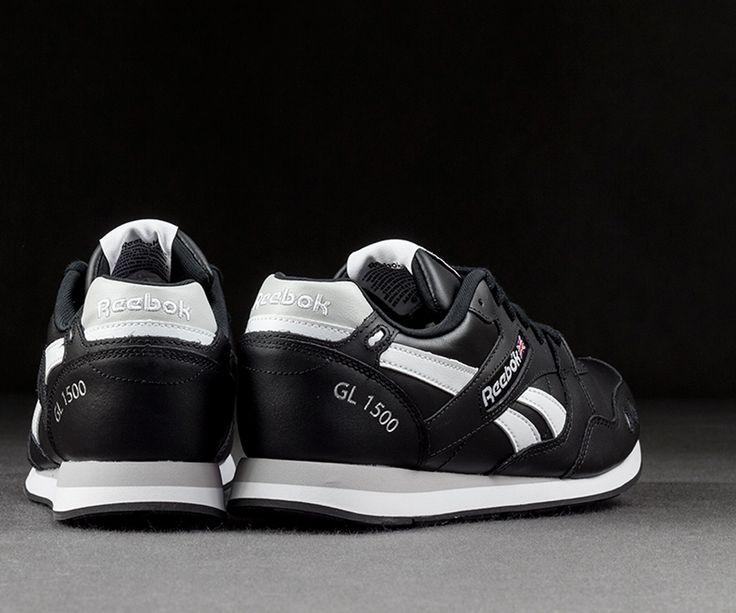 Reebok Schuhe für diejenigen, die in den sportlichen Akzent klassisch und Originalität zu schätzen wissen. Reebok Gl 1500 M44524 Schuhe für den täglichen Gebrauch mit einer schlanken Form und einem Original und immer modischen Farben.  #Reebok #Schuhe #Original #Akzent #Form