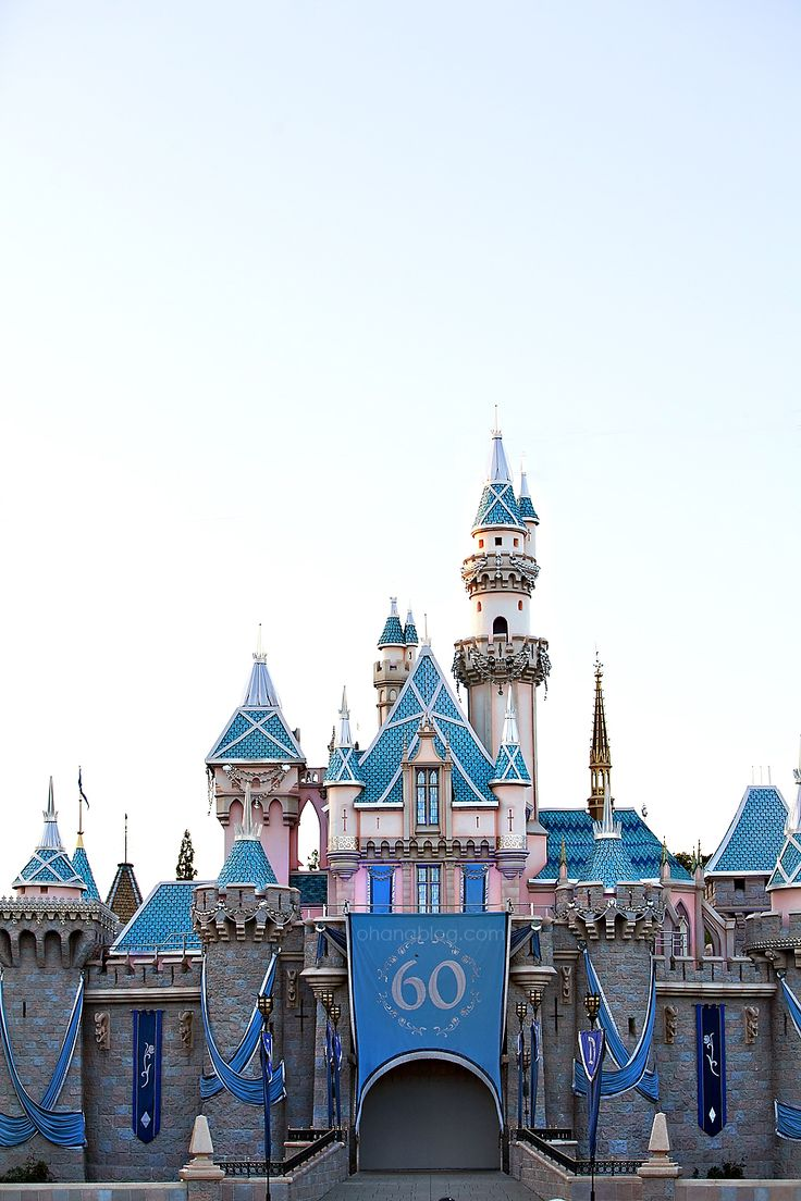 25 Best Disney Furniture Ideas On Pinterest: 25+ Best Ideas About Disneyland 60th On Pinterest