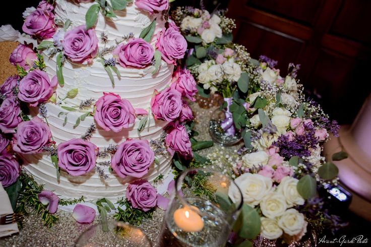 We re-purposed our bridesmaid bouquets' as cake table decoration & it looked great!! Thank you r/weddingplanning for this idea! (July 2017) : weddingplanning