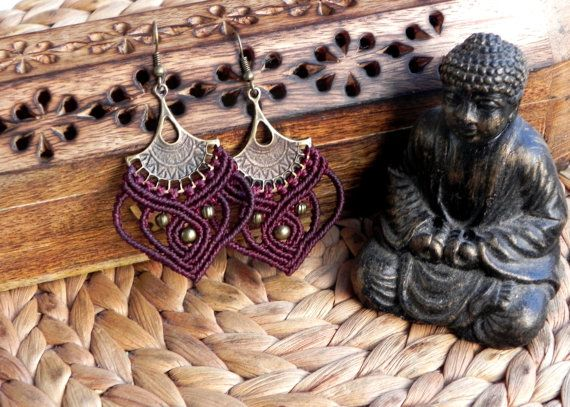 Bohemian macrame earrings by QuetzArt.  Designed and carefully handmade with macramé tecnique. For all free spirited women who want to enjoy their unique style!  Aprox. 5,5cm. Very light and comfortable to wear!  I used brasilian waxed thread famous for its durability (it lasts for years without changing the shape, loosing or the color fading away) and high quality brass beads.  Available in SILVER and BRASS!  CHOOSE YOUR FAVOURITE COLOR! (the option for the pair shown on the first picture…