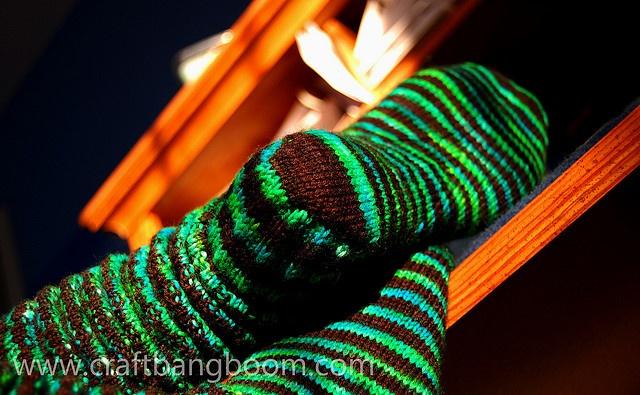squooshlow by yarnzombie, via Flickr (basic sock pattern)