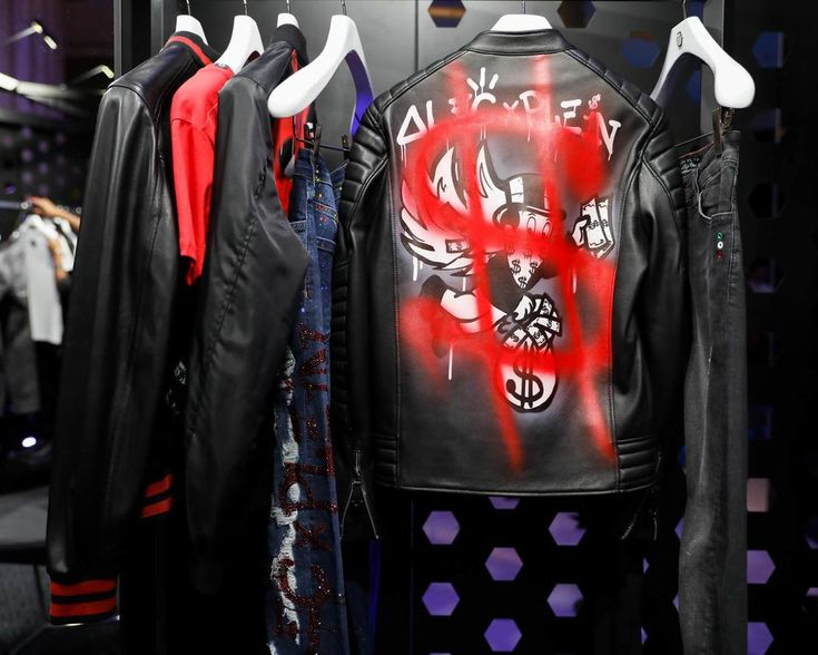 Philipp Plein and Alec collection SS18 | See more in our Stories and through our link in bio.  #philippplein #philippplein_outlet #philipppleinofficial #philipppleintshirt #philipppleininternational #philipppleinbuyoriginal #philipppleinofficial #alecmonopoly