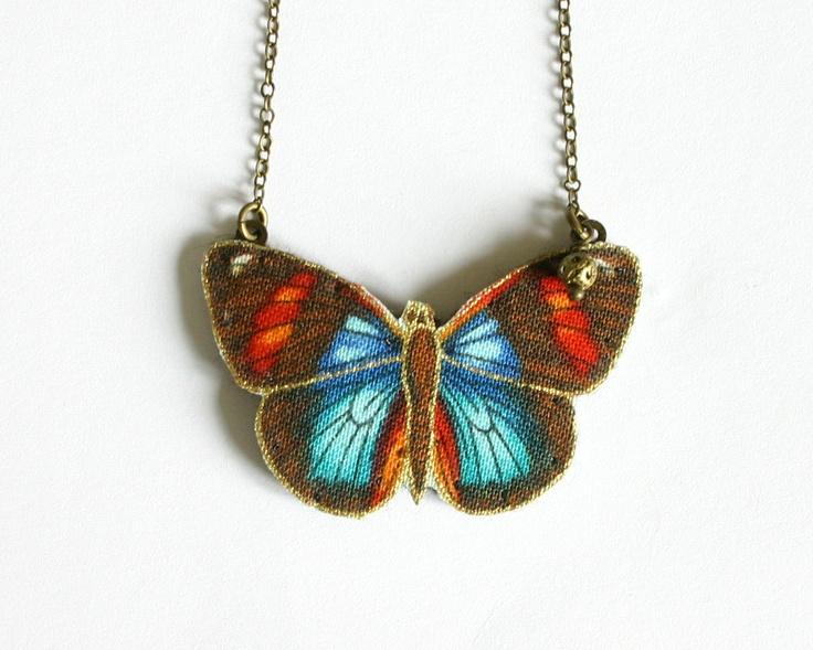 Lindo collar con mariposa de tela  colores rojo por MaBelleEpoque, 42,00