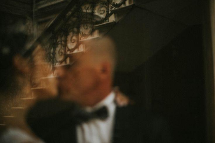 fotografa ślubna, fotograf ślubny, reportaż ślubny, czarno białe zdjęcia ślubne, Fotograf ślubny Dębica, fotograf ślubny podkarpackie, fotograf ślubny Rzeszów, Fotografia Ślubna Dębica, biała suknia ślubna, Dębica, plener ślubny | Plener Ślubny w inny dzień, Reportaż Ślubny, Piękne zdjęcia ślubne, zdjęcia ślubne Dębica, zdjęcia ślubne plener, plener ślubny, krowiarki, pałac w krowiarkach, plener za granicą, plener w krowiarkach, sesja ślubna w zamku, plener w zamku www.czterykadry.pl