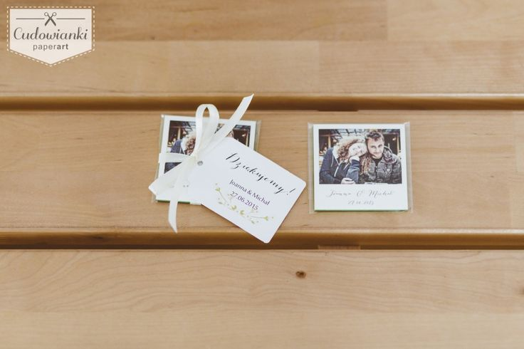 Looking for wedding favors that your guests will want to stash?Wedding thank-you gifts for parents or guests. Magnet with a photo and thanke-you label. / Świetny pomysł na prezent dla Twoich gości weselnych. Magnes ze zdjęciem i etykietką.