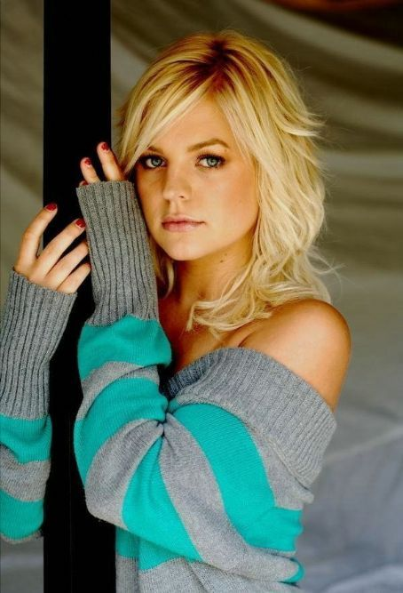 Kirsten Storms is SO stunning that I had to put more than one picture of her on this board.