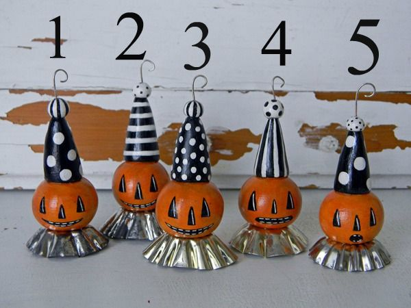 best 25 halloween ornaments ideas on pinterest nightmare before christmas ornaments diy halloween tree and halloween felt