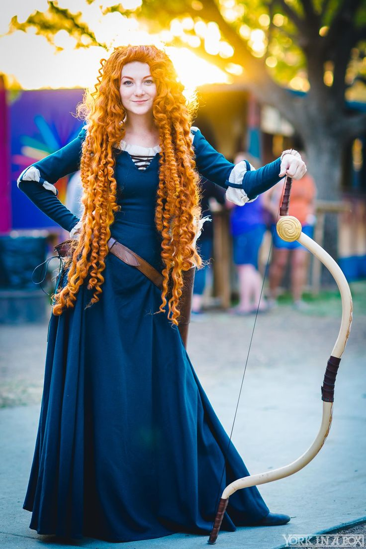 Brave // Merida #cosplay by Ashlynne Dae for 2015 Renaissance Faire, Photo by #Yorkinthebox