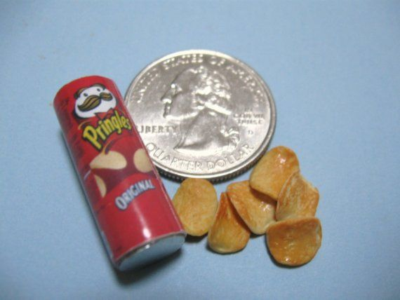 Dollhouse Miniature Pringles! Once I figure out how to work with Filmo I want to make some of these!