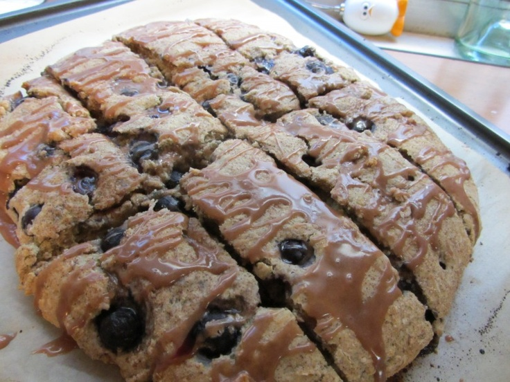 Blueberry Buckle. Sounds fun, looks delicious...what more could you want?: Seasons Belle, Things Blueberries, Buckles Scones, Blueberries Seasons, Seasons Bellimg 1294, Blueberries Buckles Cakes, Seasons Bellimg1294, Blueberry Buckle Cake, Belly