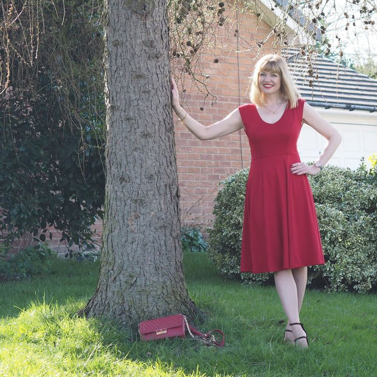 A Fabulous Fifties-Inspired Red Dress