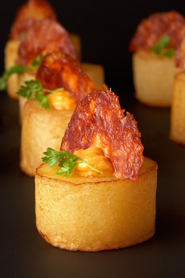 Patates confitades amb xoriç ibèric || Montserrat Catering