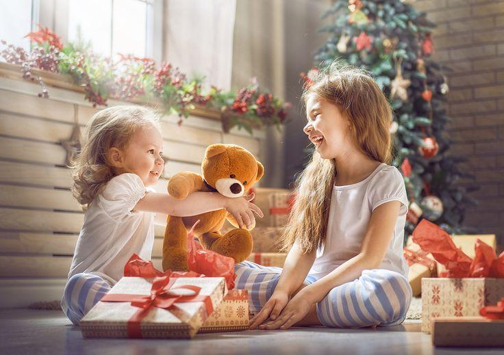 Hoy en día hay gran variedad de regalos que puedes darle a un niño. Desde juguetes, ropa, tecnología y videojuegos, productos deportivos, bicicletas, patines...Read More